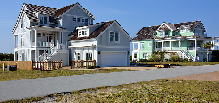 New beachfront homes in Emerald Isle, NC