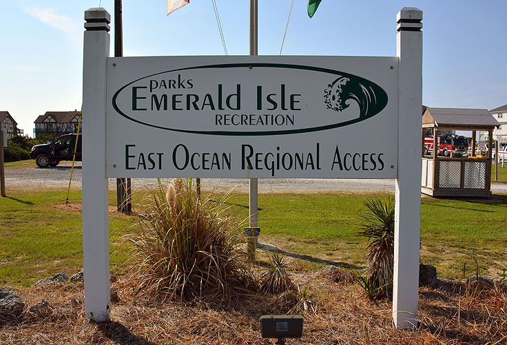 Beach access with parking in Emerald Isle, NC