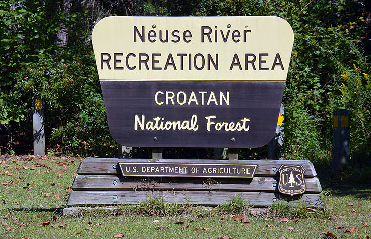 Welcome sign at at Neuse River Recreation Area